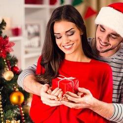 5 Christmas Gift Ideas for Her